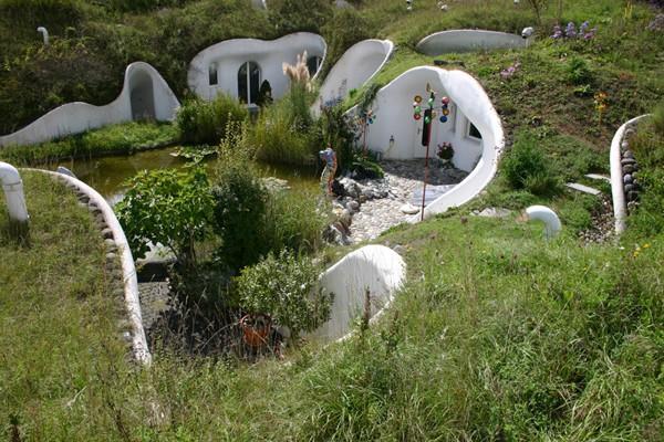 Arquitectura no convencional: - Página 2 Ecologica-Amigable-poco-Convencional-Casa-Tiera-2