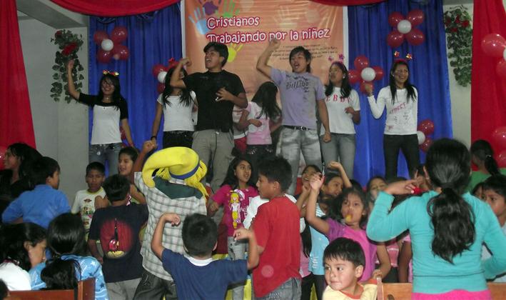 dia del ni�o peruano. el Día del Niño Peruano