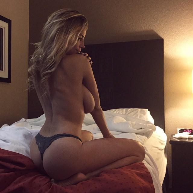 Unas fotos más de Lindsey Pelas
