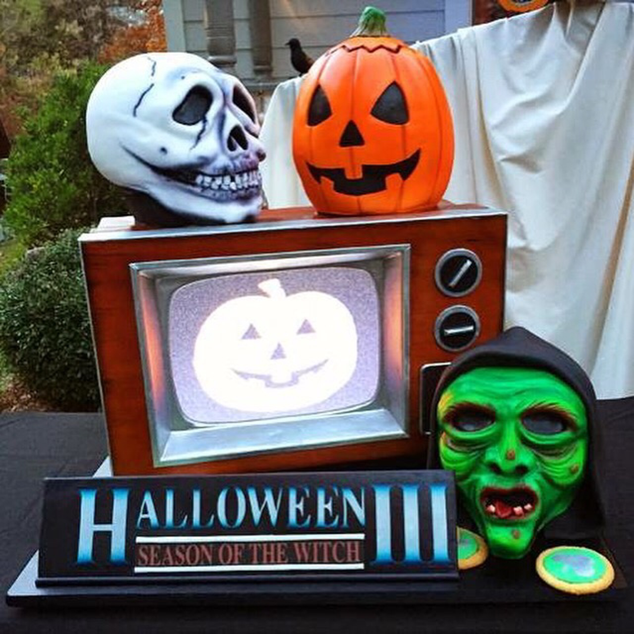 skull jack o lantern and witch masks are cake and an actual working tv was incorporated into the tv cake to play the silver shamrock tv commercial