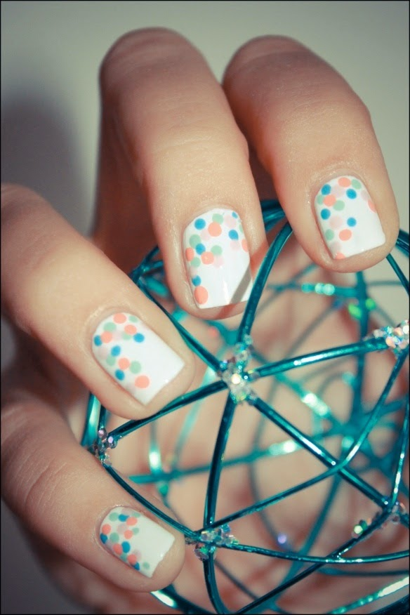 16 Cute and Easy Polka Dot Nail Designs