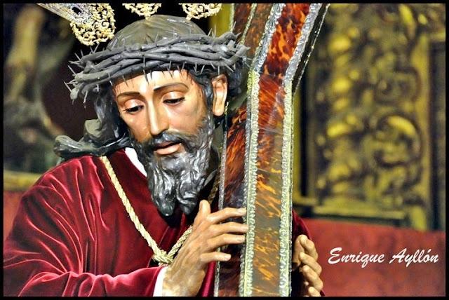 Nuestro Padre Jesús con la cruz al hombro Sevilla La O 2013