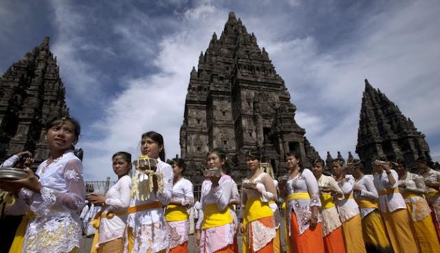 The Advaitist - Balinese Hindusim