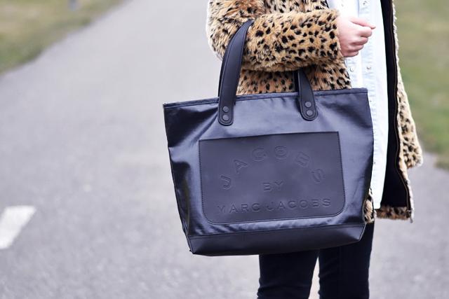 Bookmarc, marc by marc jacobs, bag, denim, tote bag, close up, detail , leopard coat