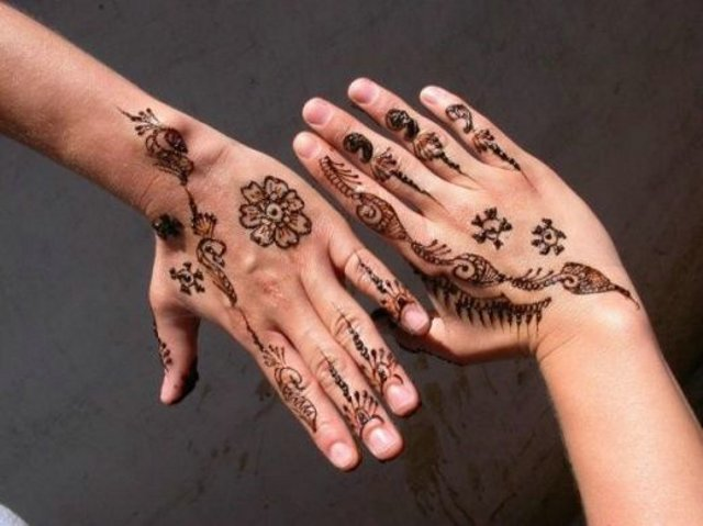 Treditional Henna Designs for Hands