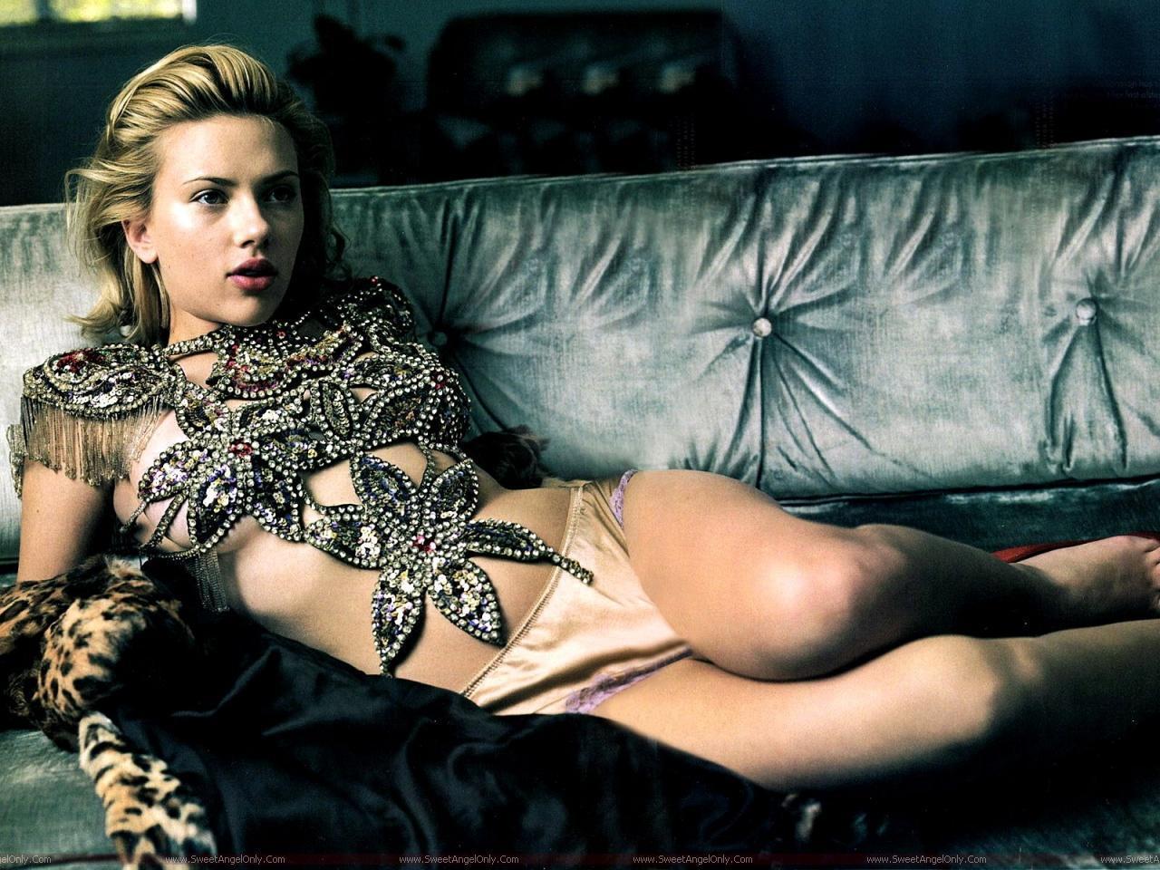 http://2.bp.blogspot.com/-bmoZJL3kQ9I/TjbcLl4L7QI/AAAAAAAAIQw/afvCOjJDgAY/s1600/Scarlett_Johansson_lingerie_wallpaper_hd.jpg