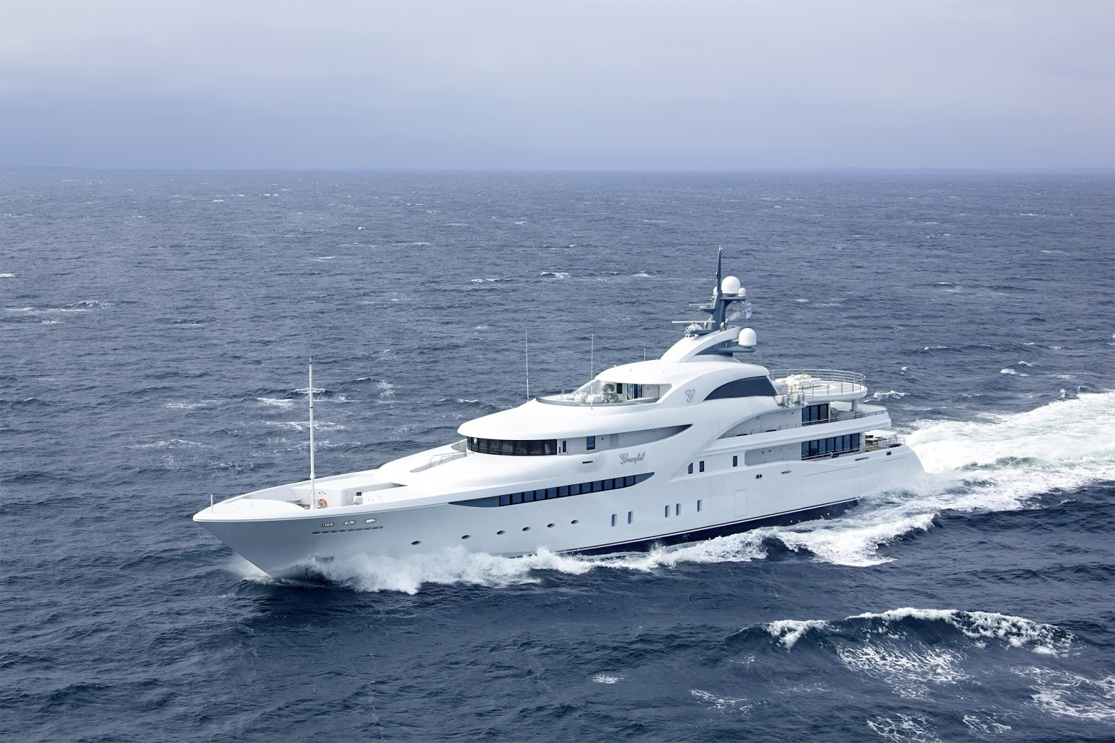 Superyacht GRACEFUL
