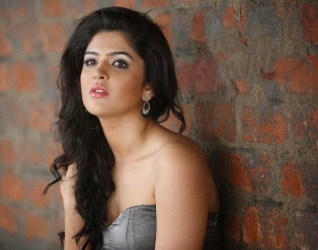 Pics of Actress Deeksha Seth 4