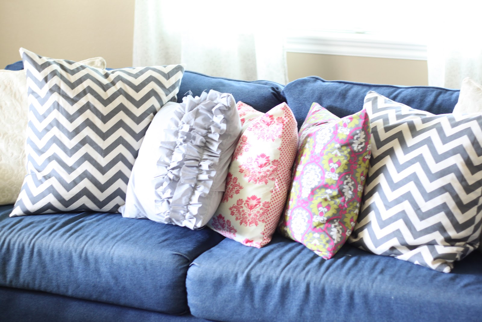 do it yourself divas diy throw pillows for my denim couch updated. Black Bedroom Furniture Sets. Home Design Ideas