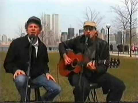 """Ark Garfunkel y James Taylor cantan """"Llorando bajo la lluvia"""""""
