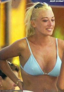 bikini joven belen esteban azul cara