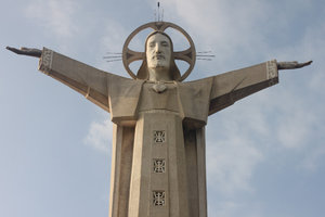 Jesus statue on the top of Tao Phùng mountain
