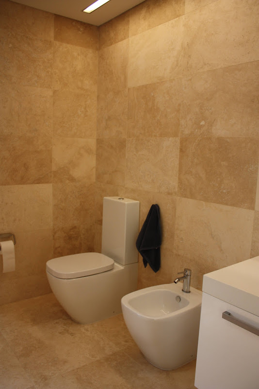 Travertine bathrooms, the natural choice - Modern Design title=
