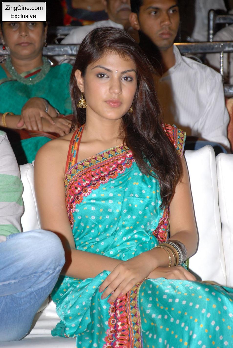Mtv Anchor Vj Rhea In Blue Sari ~ Hot Girl Pictures