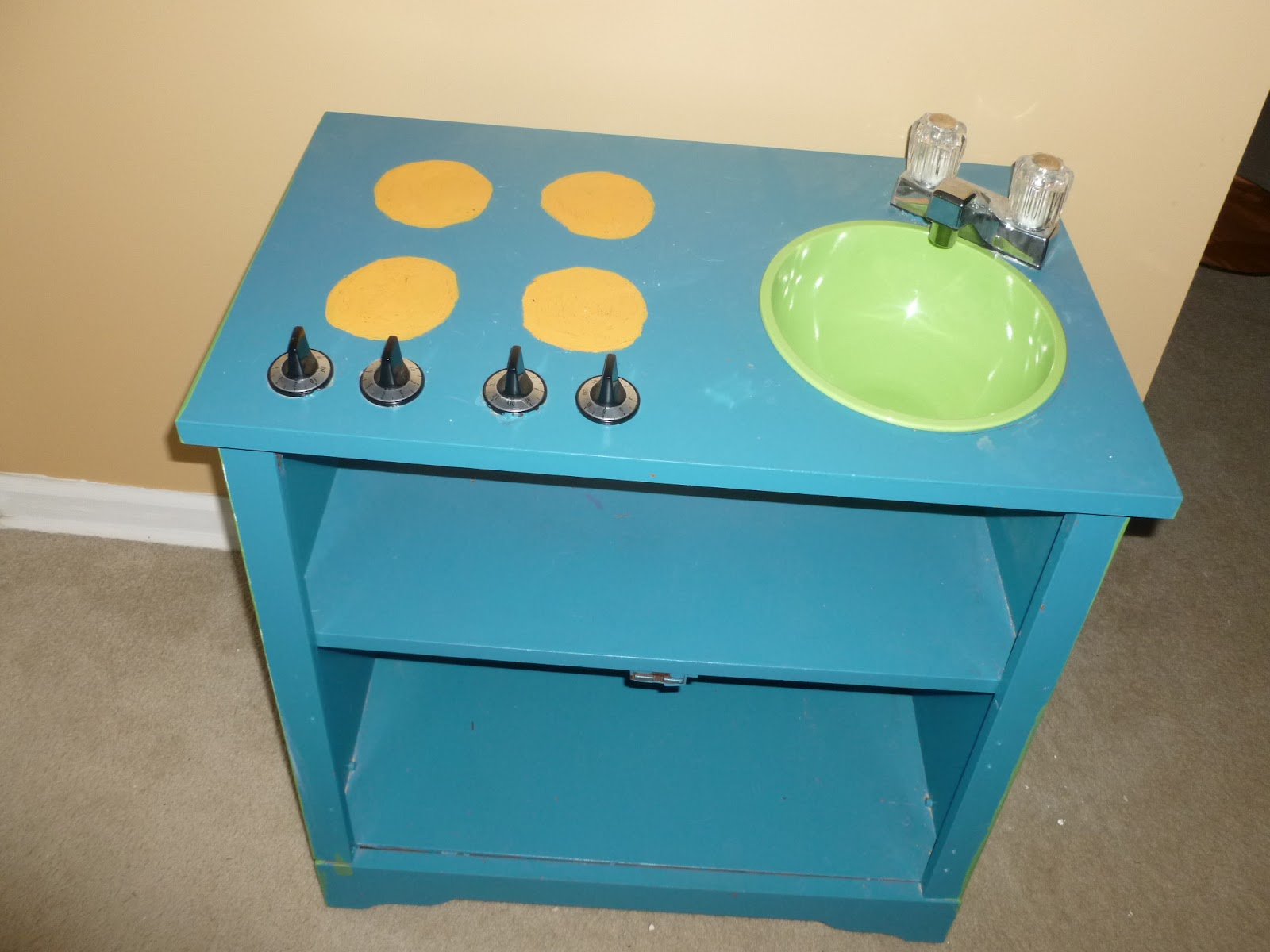 Pallet Furniture Gallery: Play Kitchen Out of TV Stand