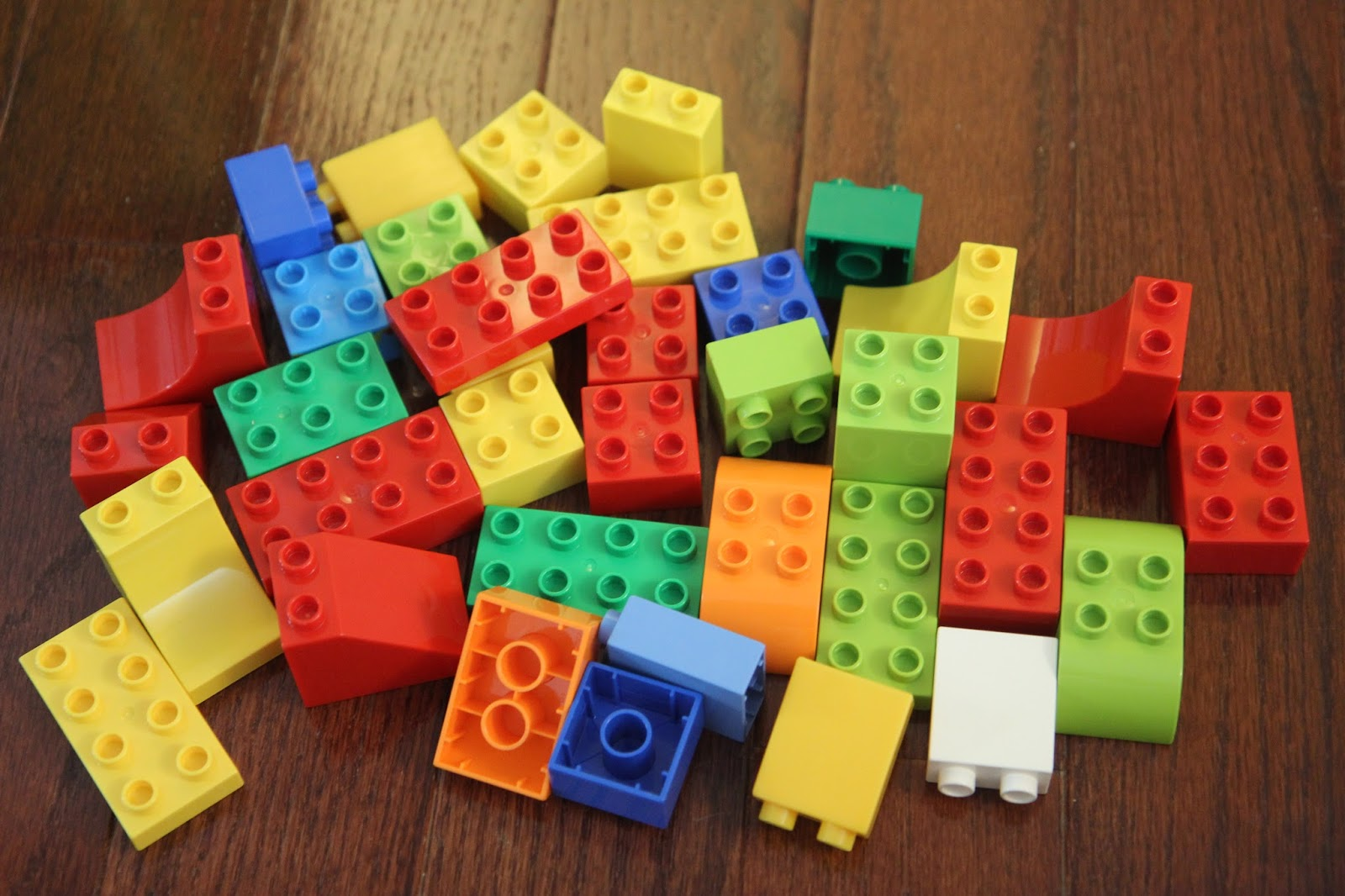 sort drop color activity that we tried using our lego bricks