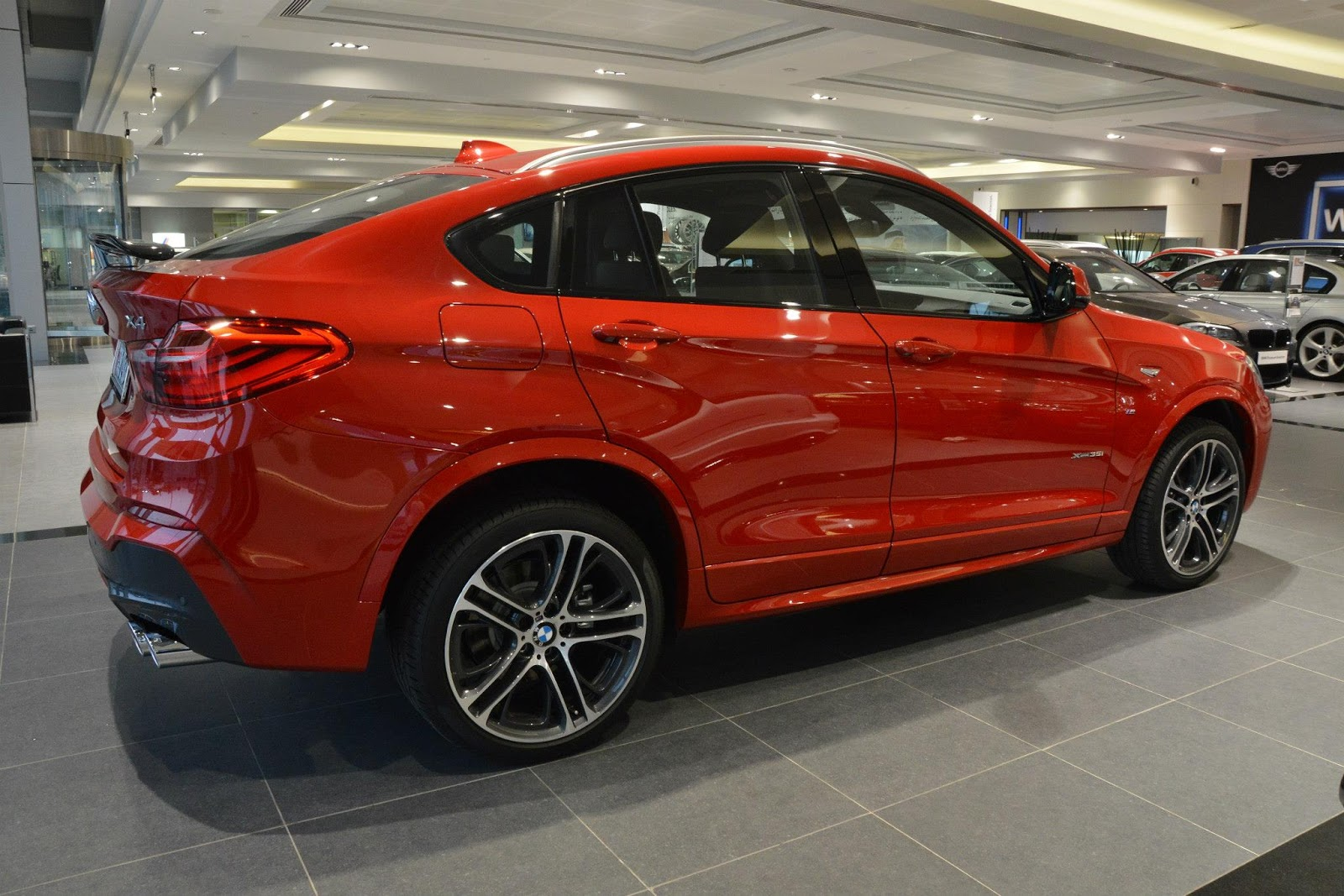 bmw x4 m sports in melbourne red and carbon black carscoops. Black Bedroom Furniture Sets. Home Design Ideas