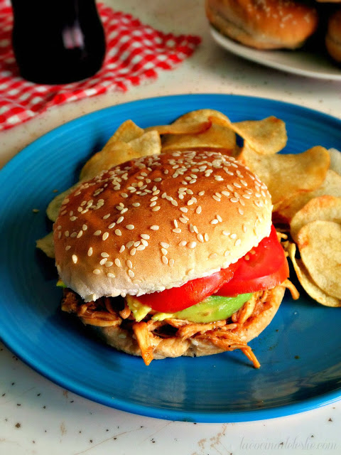 Featured Recipe | BBQ Chicken Sandwiches from La Cocina de Leslie #recipe #SecretRecipeClub #chicken #bbq