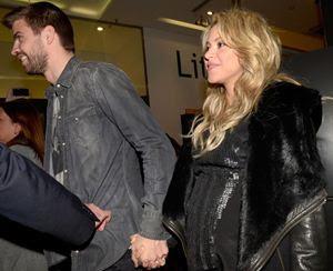 Grávida de oito meses, Shakira vai a lançamento de livro com Piqué