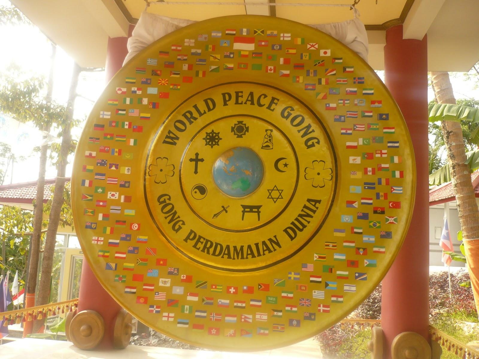 Hasil gambar untuk gong perdamaian dunia jepara