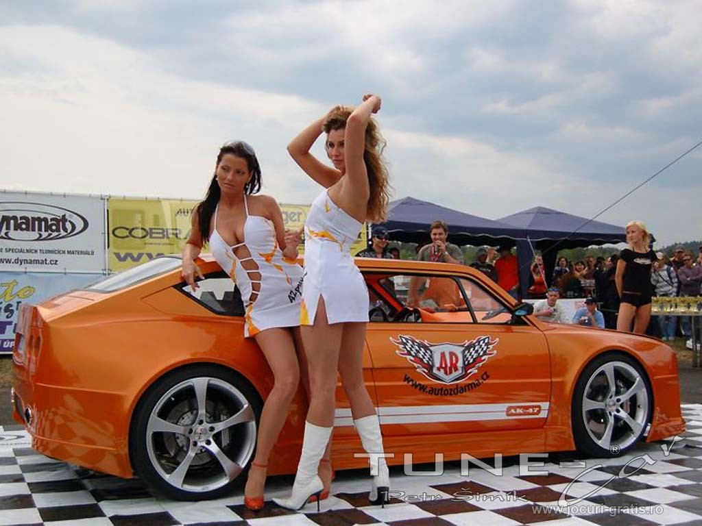 Girls And Cars 2011