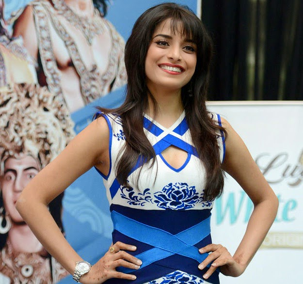 Koleksi Foto Cantik Pooja Sharma (Drupadi) Mahacinta Show di Indonesia