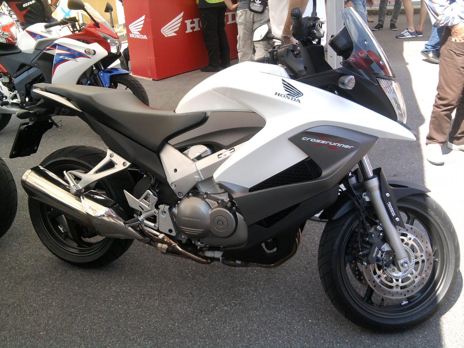 Bike Life Test Ride Honda Crossrunner