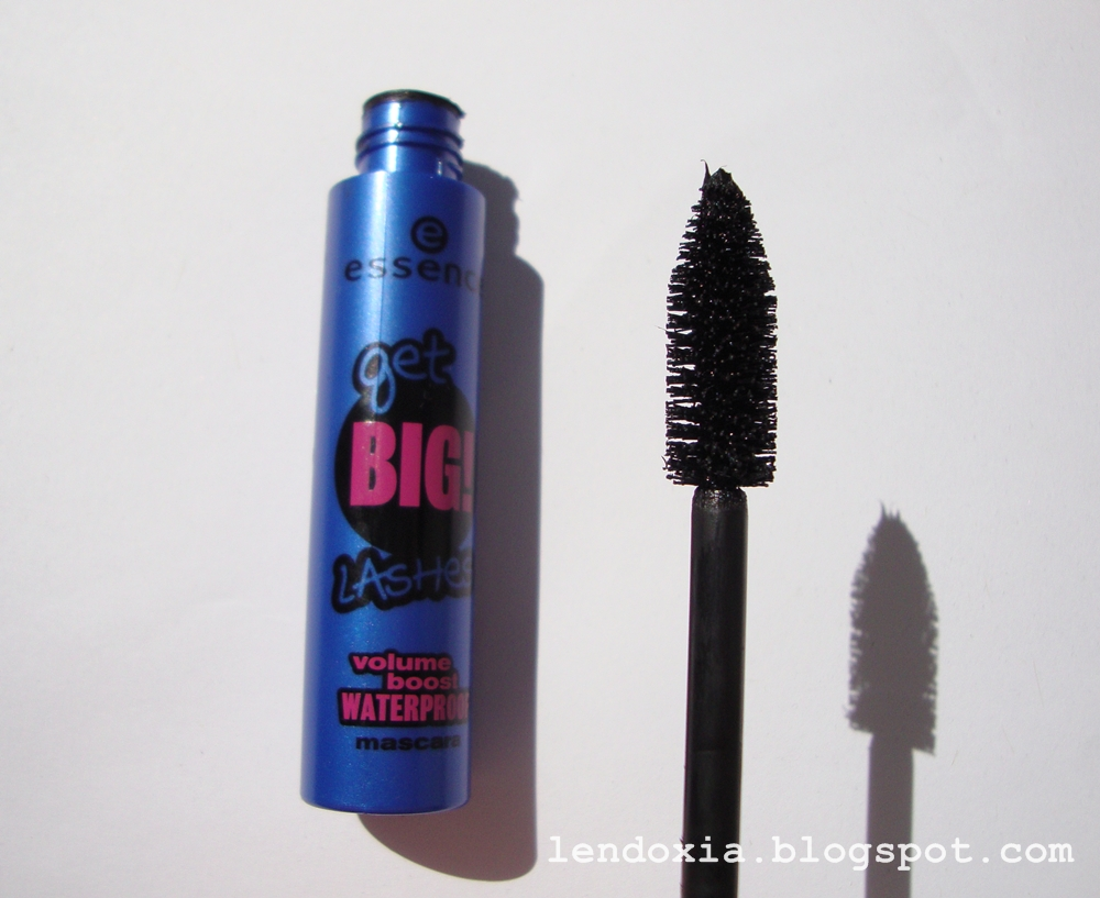 Essence Get big lashes volume boost vodootporna maskara