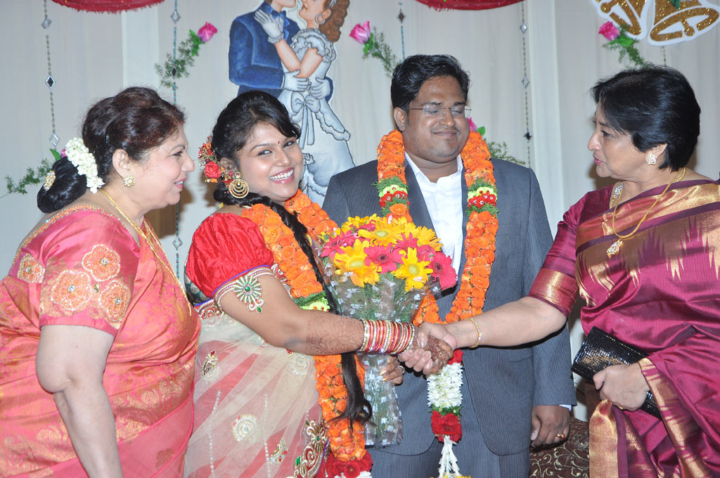 Y Vijaya daughter reception  Photos