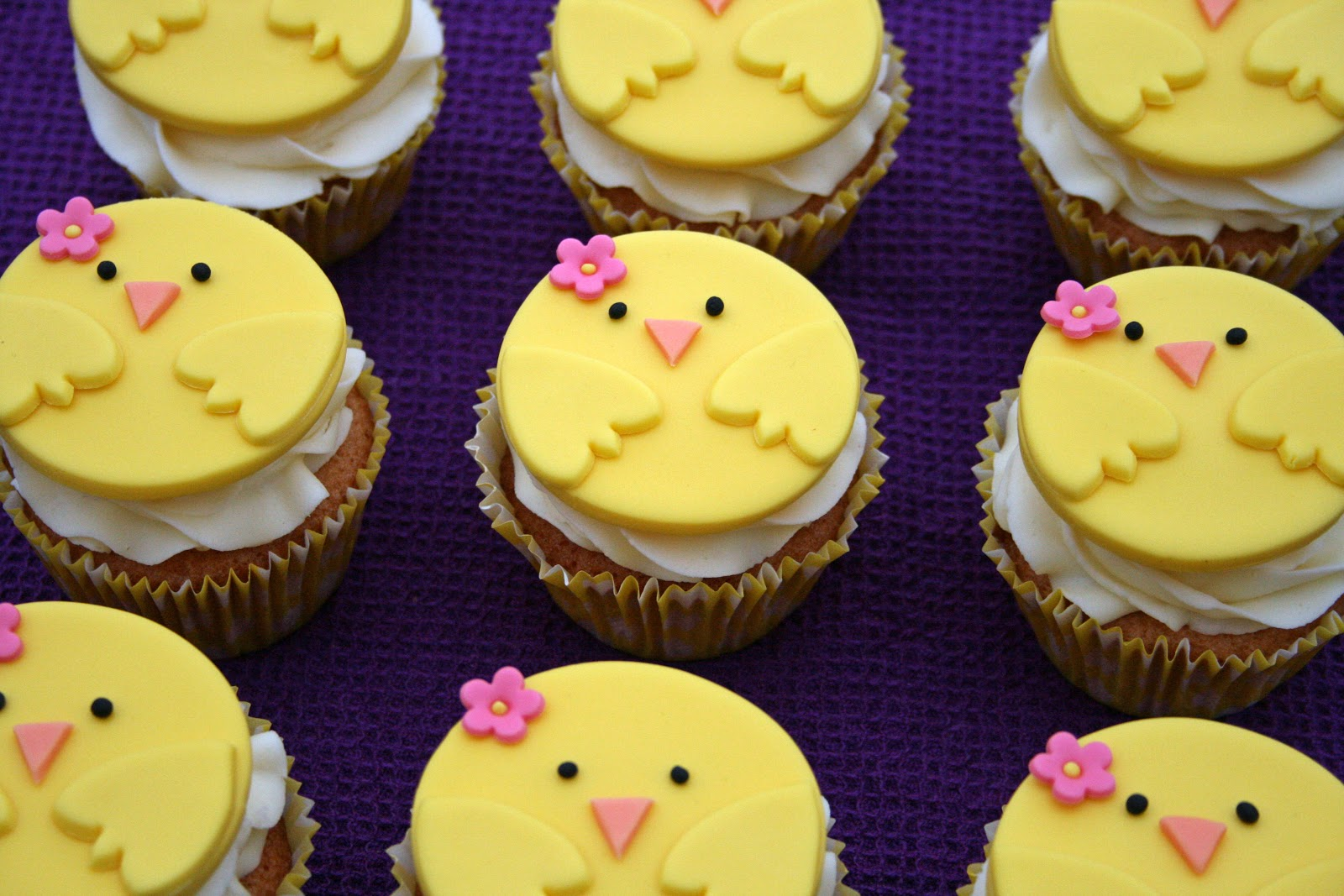 Lauralovescakes Chirpy Chick Easter Cupcakes