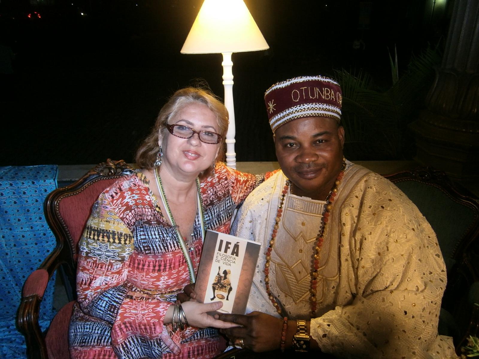 Lançamento do Livro de Otunba Adekunle Aderonmu na Mini Book Store