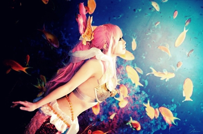 [Resim: One-Piece-Cosplay-001-Shirahoshi-by-Ajo.jpg]
