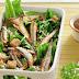 Συνταγή της ημέρας - Caesar salad µε τραγανές σαρδέλες στο φούρνο χωρίς λάδι
