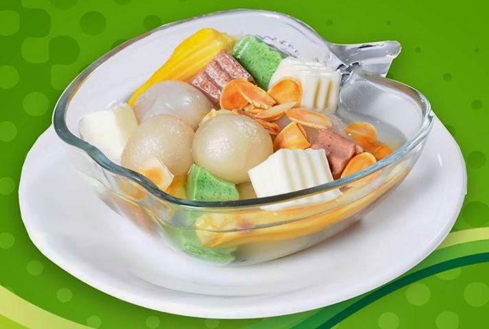 Almond Tofu with Lychee Sweet Soup (Chè Khúc bạch)