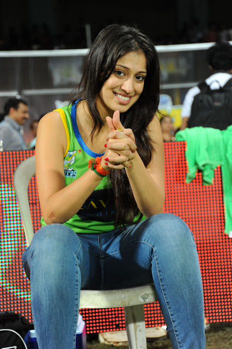 lakshmi rai at ccl match, lakshmi rai photo gallery