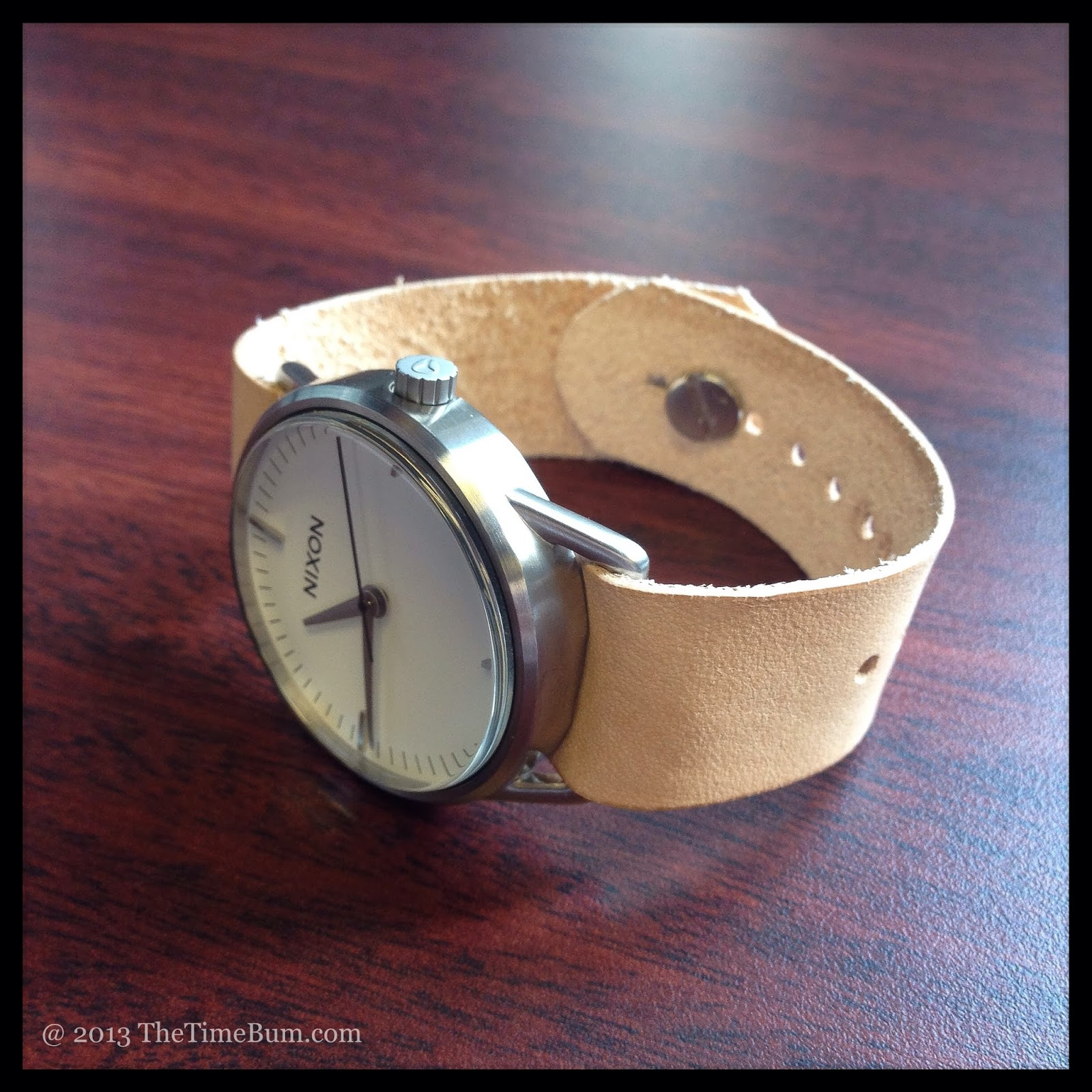 Grants button stud strap, Nixon Mellor