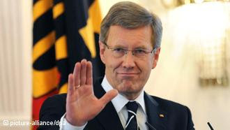 Alemanha: Caso Wulff se agrava com novas revelações e pressão da oposição