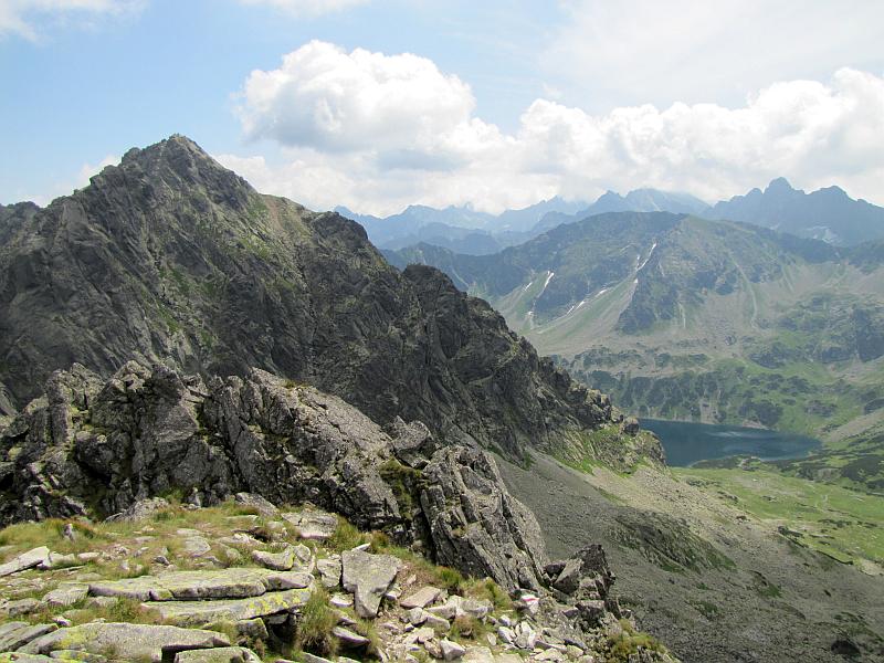 Widok z Małego Koziego Wierchu na wschód w kierunku Koziego Wierchu.