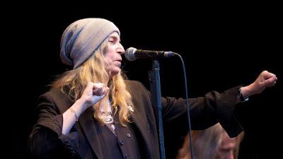 Patti Smith au micro
