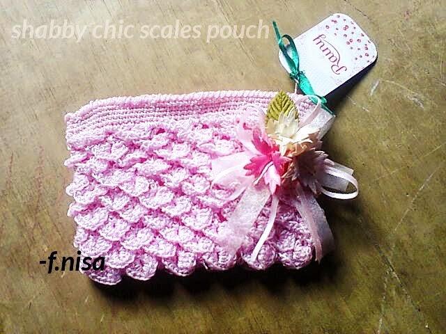 crocodile crochet pouch