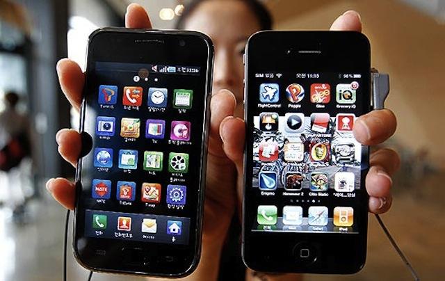 """هواتف """"آبل"""" و""""غوغل"""" تتجسس على المستخدمين"""