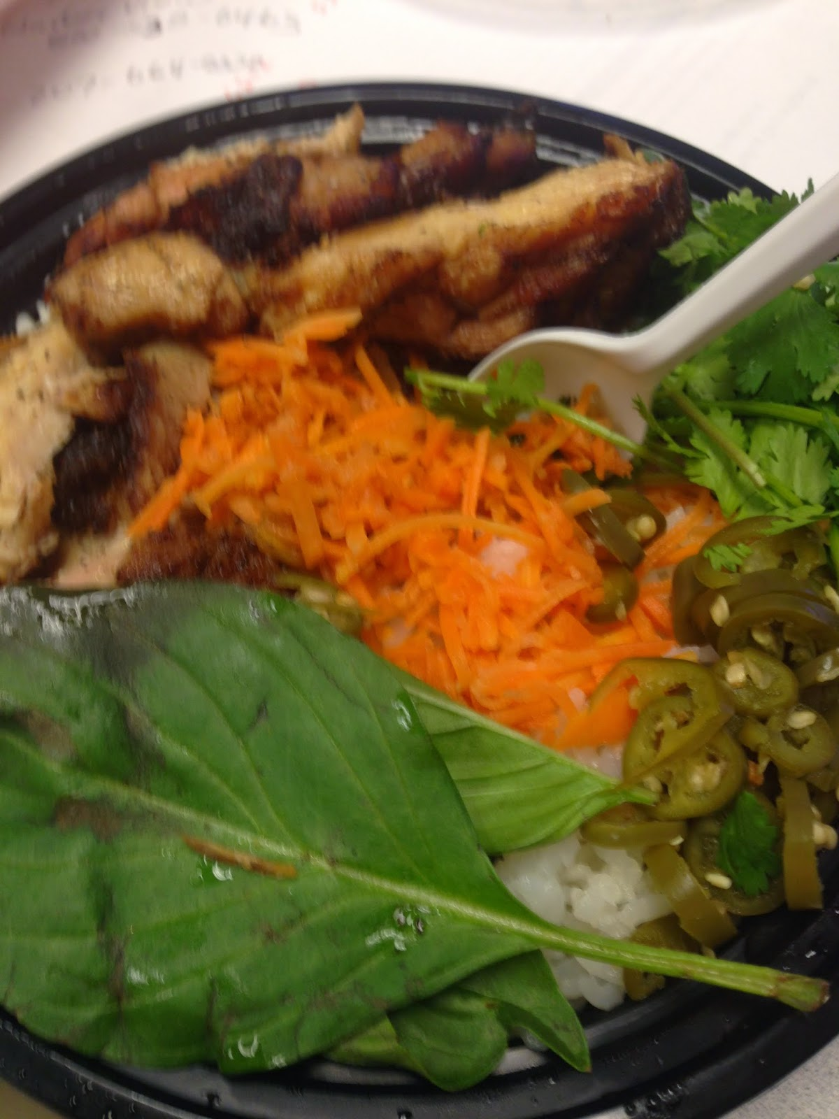 Fat Wagon Food Truck Thai Chicken Bowl, marinated grilled chicken with fresh herds and pickled carrots