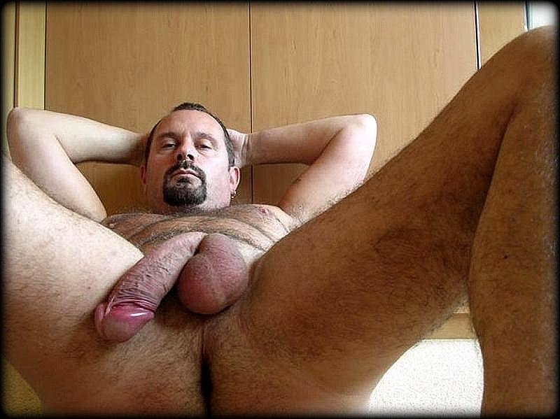 Hombres Desnudos En Casa