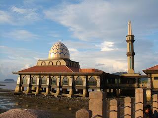 Masjid Al Hussain di Kuala Perlis