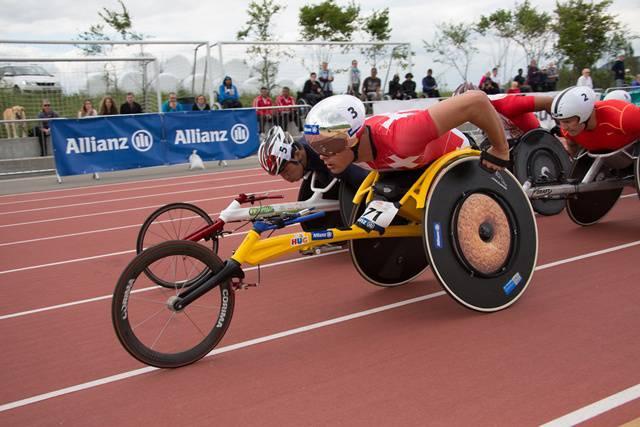 France course fauteuil 250 coureurs fauteuils en suisse - Fauteuil massant suisse ...