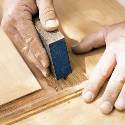 como restaurar puertas de madera viejas o deterioradas