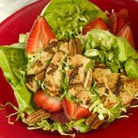 Salade de poulet grillé aux fruits de saison
