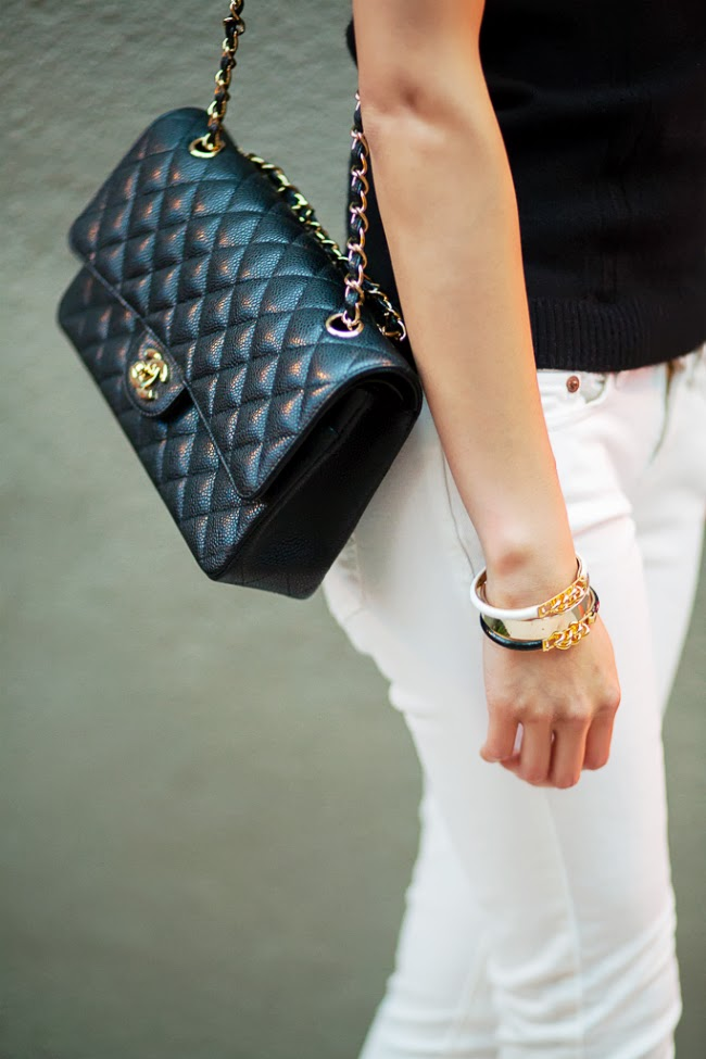 chanel classic flap black caviar gold hardware