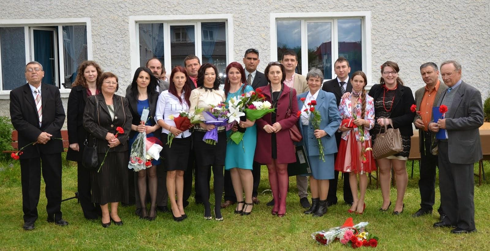 Absolvenți ai Liceului din Subcetate, promoția 2004, la întâlnirea de 10 ani - 16 mai 2014