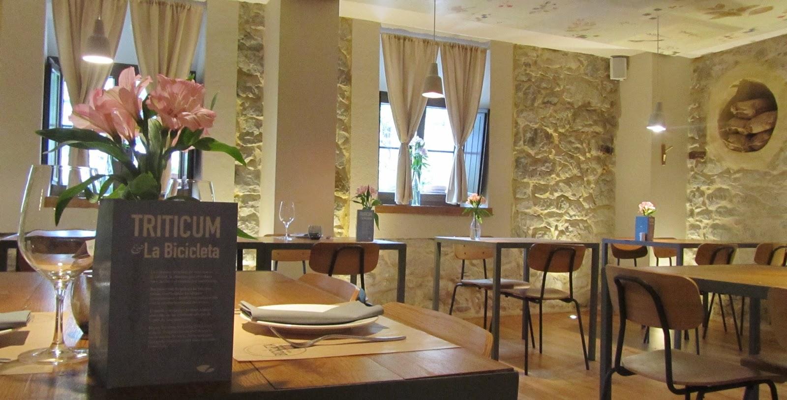 ameiseblog_Interior Restaurante La Bicicleta, Cantabria